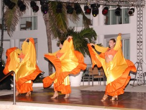 Entertainment at the Playacar Palace
